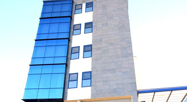 エグゼ セビリア パルメラ - セビリア - 建物