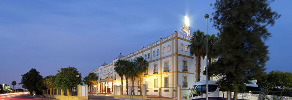 Exe Gran Hotel Solucar - Sanlucar La Mayor - 建物