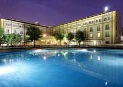 Exe Gran Hotel Solucar - Sanlucar La Mayor - プール