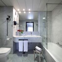 ホテル ヴィア カステリャナ Bathroom