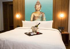 Ikonik Hotel Puebla - プエブラ - 寝室