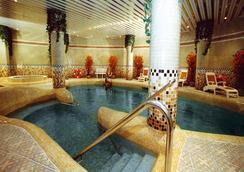 ホテル ビヤレアル パレス - Vila-real - プール