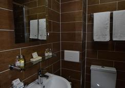 ラッキー 8 ホテル - イルフォード - 浴室