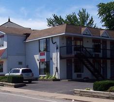 The Crystal Inn on the Parkway