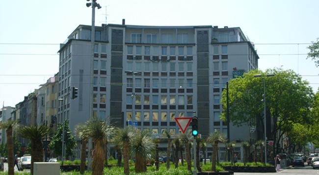 ドーモ ホテル モンディヤール - デュッセルドルフ - 建物