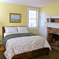 Atlantic Light Inn Guestroom