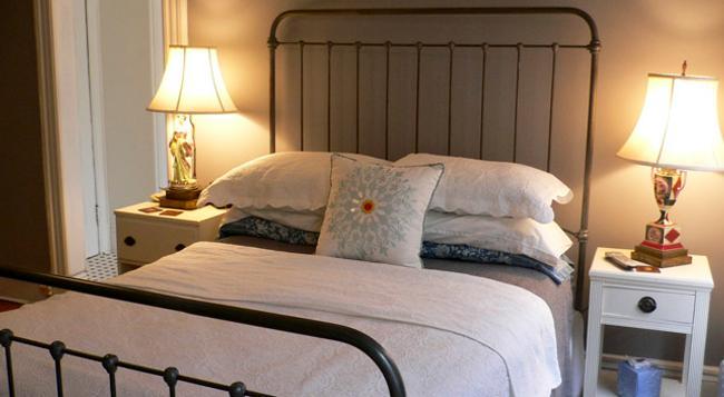 Sofia Inn - ブルックリン - 寝室