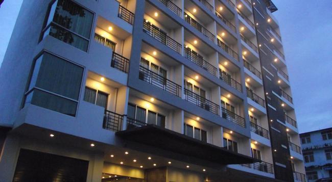 14 リビング - バンコク - 建物