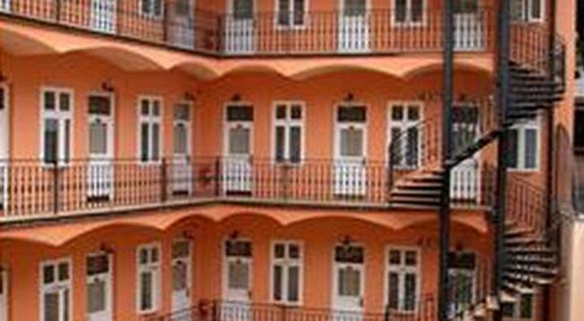 アリストン&アリストン パティオ ホテル - プラハ - 建物