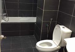 キンタ リバーフロント ホテル & スイーツ - Ipoh - 浴室