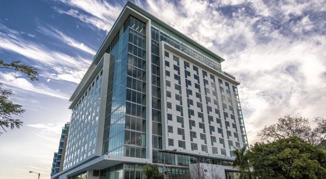 Atton Brickell Miami Hotel - マイアミ - 建物