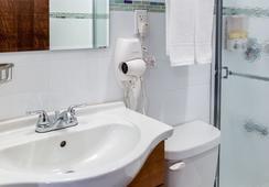 LIC ホテル - クイーンズ - 浴室