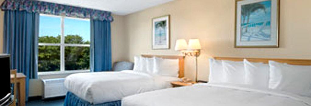 Baymont Inn & Suites Fort Myers Airport - Fort Myers - 寝室