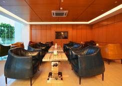 V8 ホテル ジョホール バル - Johor Bahru - ロビー