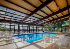 Prodigy Hotel Alpenhaus Gramado - グラマド - プール