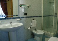 ホテル サンテリジョ - ナポリ - 浴室
