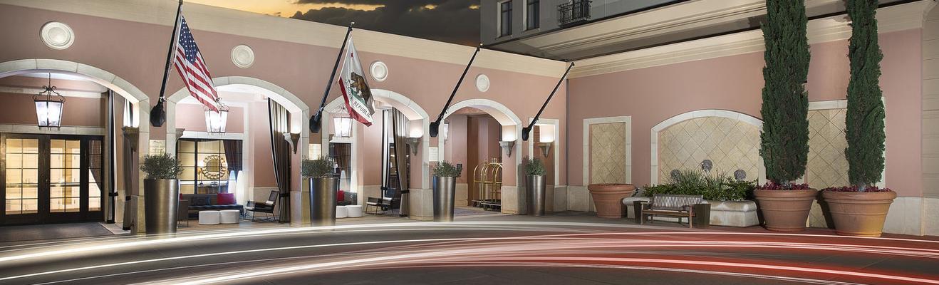 クパチーノ - Hotel Entrance