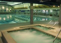 Hotel Bellevue - ベルビュー - プール