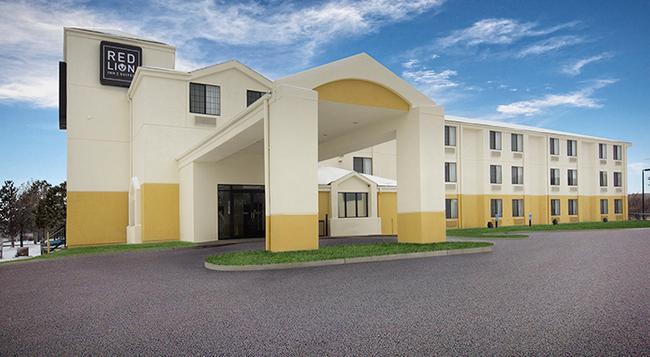 Red Lion Inn & Suites Fort Collins - フォート・コリンズ - 建物