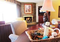 Arbors at Island Landing Hotel & Suites - ピジョン・フォージ - 寝室