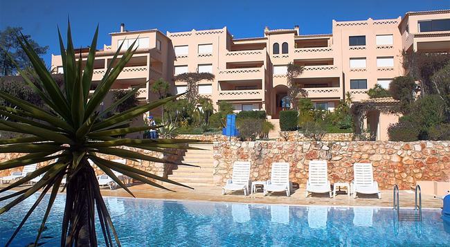 Apartamentos Turisticos Buganvilia - ラゴス - 建物