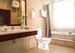 White House Hotel - ダナン - 浴室