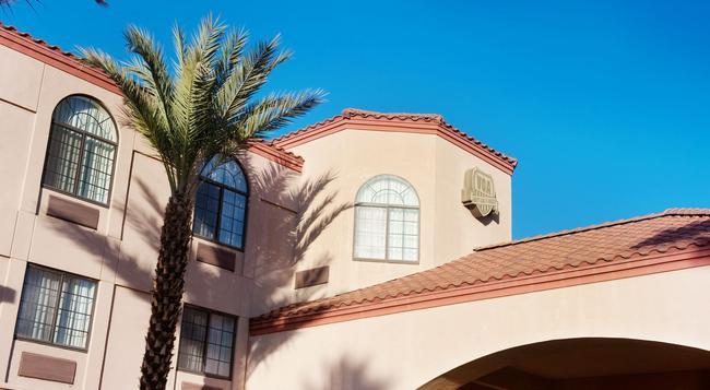 Varsity Clubs of America - Tucson By Diamond Resorts - ツーソン - 建物