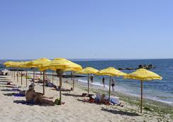 Royal Beach Hotel - ゴールデンサンド - ビーチ