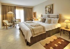 マリーナ ホテル コリンシア ビーチ リゾート - セントジュリアンズ - 寝室