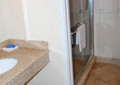 ウェスタン イン - ヒューストン - 浴室