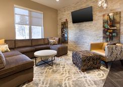 Drury Inn & Suites Louisville North - ルイスビル - ロビー