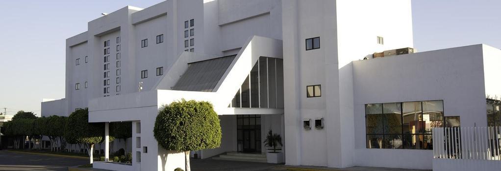 ミシオン エクスプレス セラヤ - セラヤ - 建物