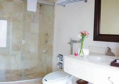 Hotel Mision Catedral Morelia - モレリア - 浴室