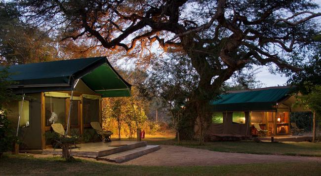 Elephant Valley Lodge - Kasane - 建物