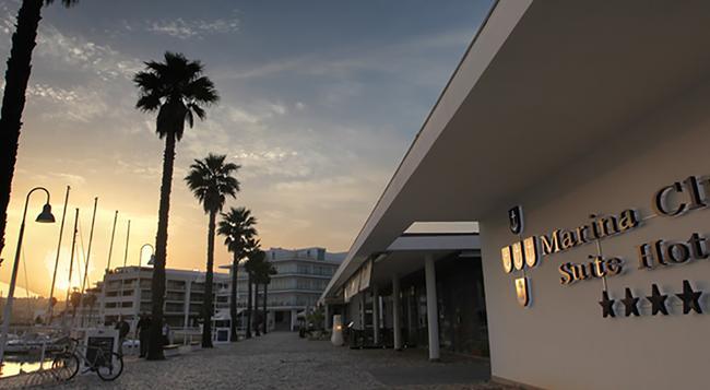 マリーナ クラブ ラゴス リゾート - ラゴス - 建物