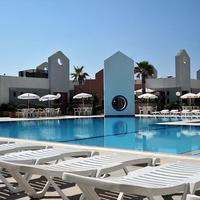 ザ セント ジョージズ パーク ホテル Outdoor Pool