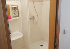 Hotel Jizera Karlovy Vary - カルロヴィ・ヴァリ - 浴室