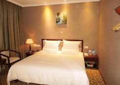 Greentree Inn Yunnan Kunming Yuantong Express Hotel - 昆明 - 寝室