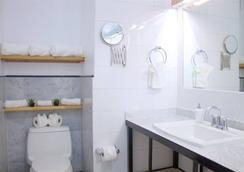 ザ ボックス ハウス ホテル - ブルックリン - 浴室
