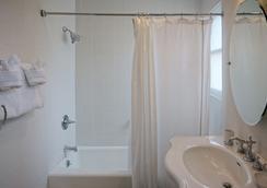 ハーバー ハウス イン - サンタ・バーバラ - 浴室