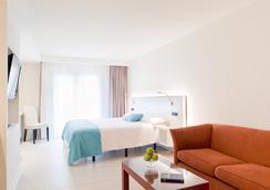 Hotel & Spa La Terrassa - サガロ - 寝室