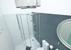 ロフトホテル セン プシュチョウェ - ワルシャワ - 浴室