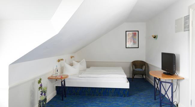 Hotel Residenz - ゼーバート・ヘリングスドルフ - 寝室