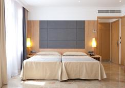 ホテル アルマダムス - パルマ・デ・マヨルカ - 寝室