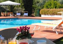 Poggio Del Golf Residence & Club - フィレンツェ - プール