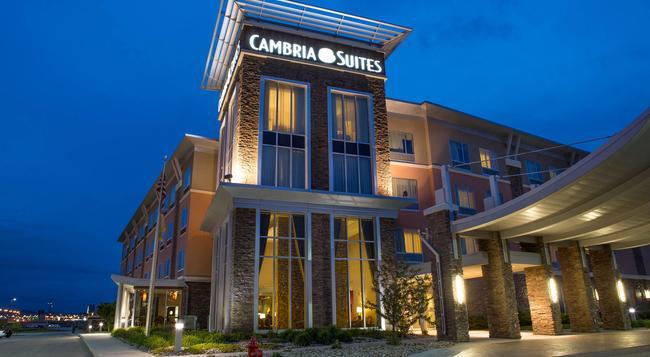 Cambria hotel & suites - ラピッドシティ - 建物