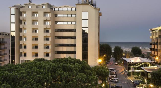 Hotel Sporting Rimini - リミニ - 建物