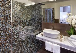 Hotel Biancamano - リミニ - 浴室