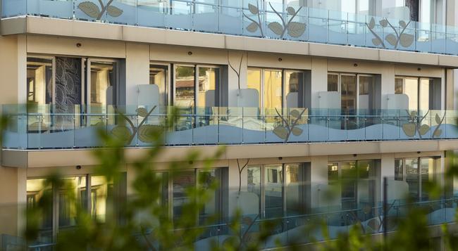 ザ シティ ホテル - テッサロニキ - 建物