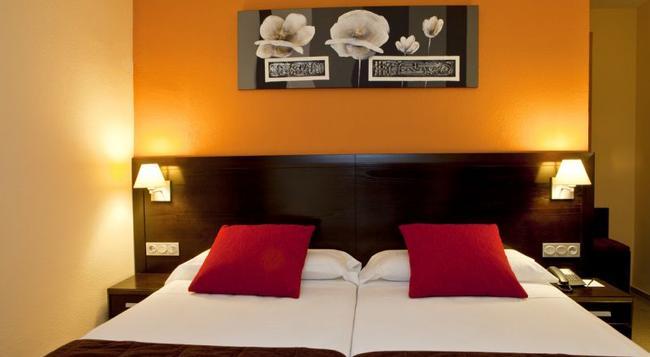 Hotel Itaca Fuengirola - フエンヒロラ - 寝室